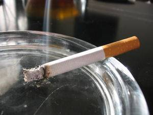 El fumar es la mala costumbre